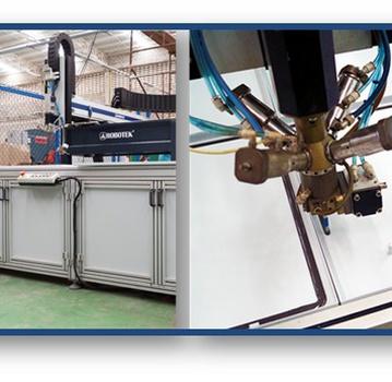 Robotek - empaque inyectado de poliuretano operado por CNC.